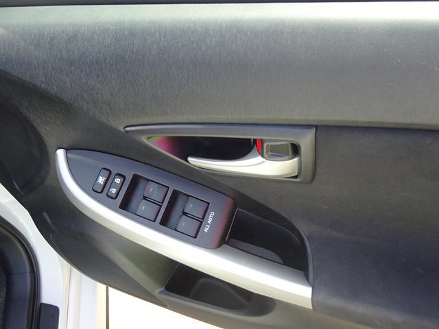 トヨタ プリウス S ナビ ETC AUXUSB端子 HID 盗難防止装置