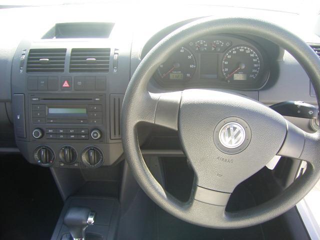 フォルクスワーゲン VW ポロ 1.4 コンフォートライン 純正オーディオ キーレス