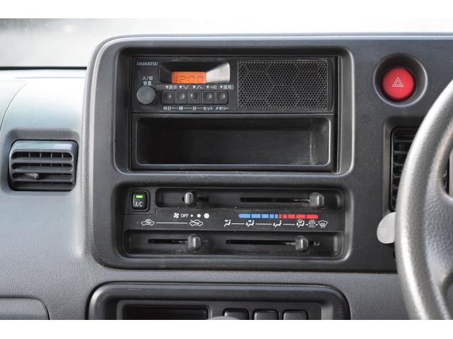 スペシャル 4WD 5速MT 寒冷地仕様 リヤヒーター付き(10枚目)