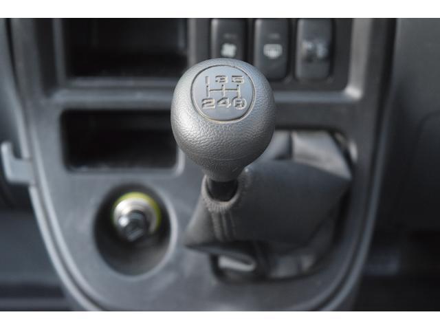 スペシャル 4WD 5速MT 寒冷地仕様 リヤヒーター付き(11枚目)