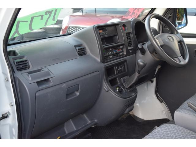 スペシャル 4WD 5速MT 寒冷地仕様 リヤヒーター付き(17枚目)