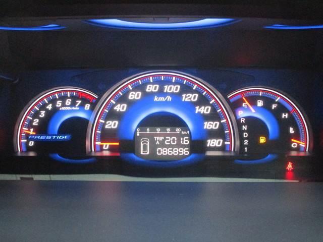 自発光式で視認性に優れたスピードメーターです!