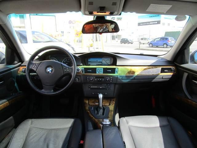 330xi 4WD 左ハンドル クルコン 革シート ETC(2枚目)