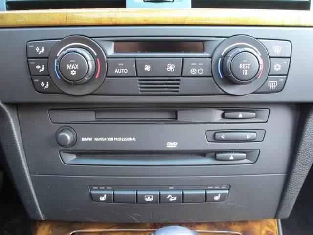 330xi 4WD 左ハンドル クルコン 革シート ETC(3枚目)