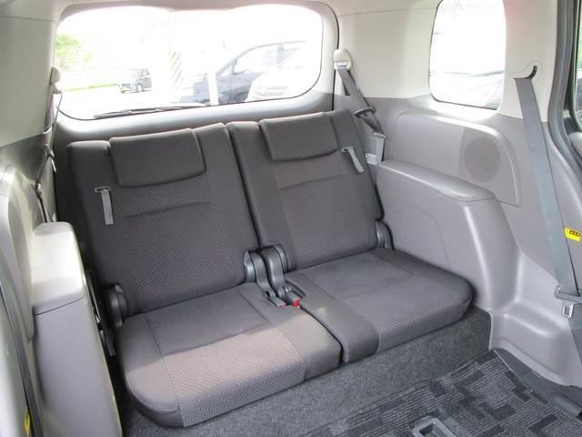 サードシートは必要十分なスペースを確保しています!