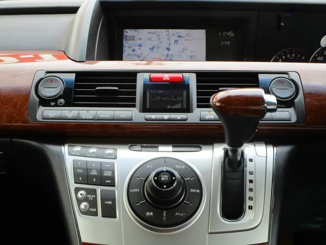 S 4WD 寒冷地仕様 両側電動ドア 7人乗 フリップダウン(3枚目)