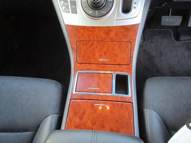 S 4WD 寒冷地仕様 両側電動ドア 7人乗 フリップダウン(9枚目)