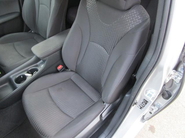 助手席のシートです。こちらも大きな汚れやヘタレもなくキレイな状態ですよ!