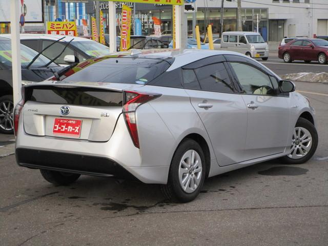 清潔感と高級感を兼ね備えたシルバーメタリックの車体色です♪キズや汚れが目立ちにくい色ですよ。