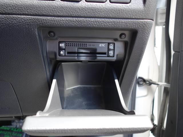 2.4 Z 7人 4WD 両側電動スライドドア HDDナビ フルセグTV Bluetooth フリップダウンモニター ETC HID タイミングチェーン(9枚目)