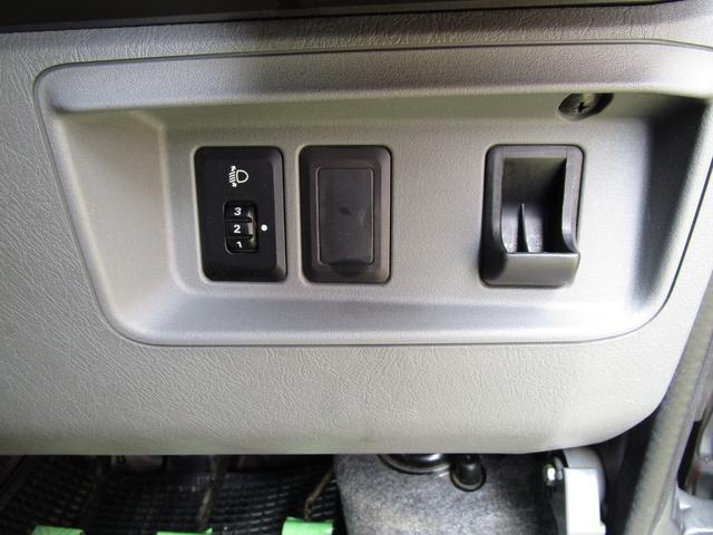 GX ワンオーナー 切替4WD 5速マニュアル リヤヒーター(11枚目)