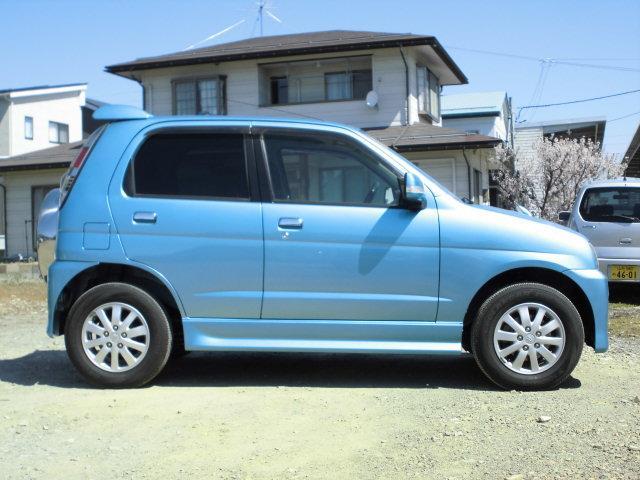カスタムL 4WD タ-ボ キーレス CD(4枚目)