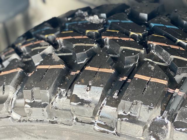 ロングスーパーGL 関東仕入れ 自社オールペンセメントグレー 下部マッドブラック 15インチアルミマットタイヤ インナーブラックヘッドライト LEDヘッドランプ LEDフォグ グリルガード テールガード(14枚目)