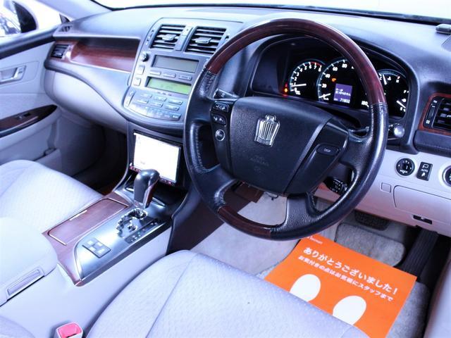 クルーズコントロールを搭載しております。高速道路のクルージングではドライバーの疲労や緊張を軽減するシステムです。