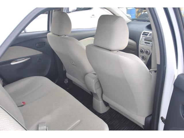 当店では画面上と実車の色の違いやパッケージOPやグレード判断の相違等、トラブルを防ぐ意味でお客様の目で実車確認をして頂く事を推奨しております。状態は実車を最優先とさせて頂く事を予めご了承願います。