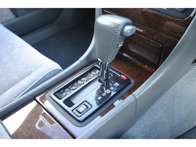 ブロアムVIP VQ30DET FOURCAM ターボ アクティブダンパー 全席電動 マルチAV キーレス クルーズコントロール 電動チルト&テレスコピックステアリング 革巻ステアリング 純正アルミ(32枚目)