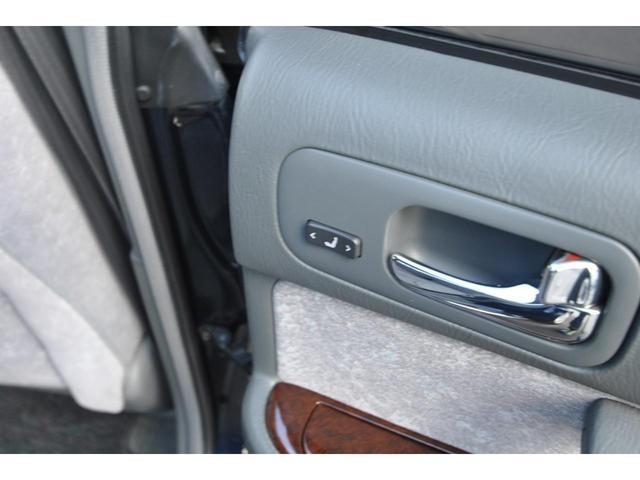 ブロアムVIP VQ30DET FOURCAM ターボ アクティブダンパー 全席電動 マルチAV キーレス クルーズコントロール 電動チルト&テレスコピックステアリング 革巻ステアリング 純正アルミ(49枚目)