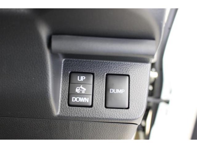 ダンプ駆動方式 電動モーター式バッテリーを利用して、モーターで油圧ホンプを回す方式です。