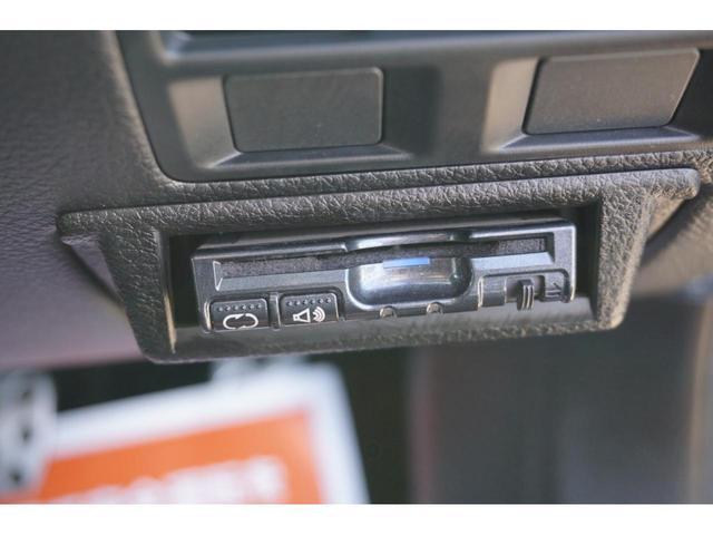 2.5iアイサイト Sパッケージ 4WD HID 3年保証付(9枚目)