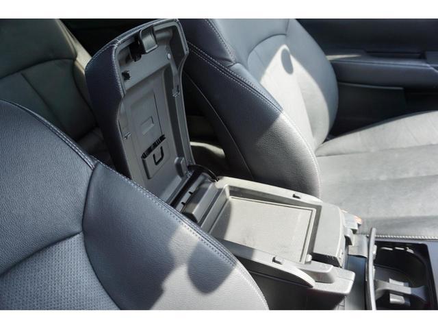 2.5iアイサイト Sパッケージ 4WD HID 3年保証付(19枚目)