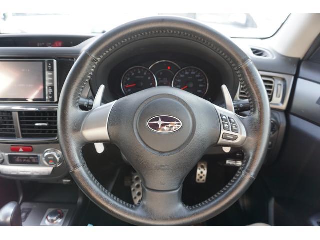 2.5iアイサイト アルカンターラセレクション 4WD SDナビ フルセグ クルコン プッシュスタート ETC アイサイト スマートキー 純正17AW 3年保証付(5枚目)