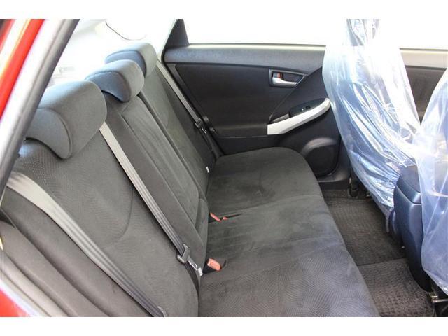 しっかりとしたシートで振動や騒音を低減、長時間のドライブも疲れません。