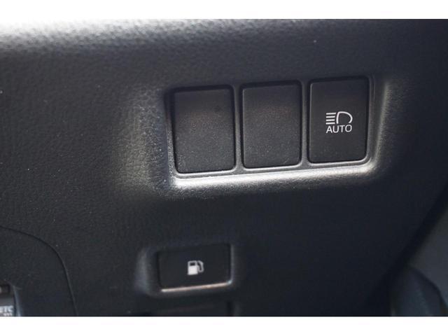 S-T LEDパッケージ 社外SDナビ スマートキー バックカメラ 衝突軽減ブレーキ ETC 純正17インチAW 3年保証付(26枚目)