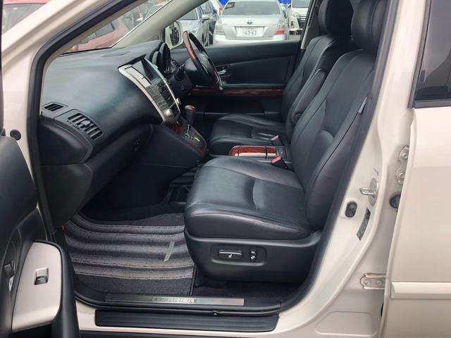 4WD 240GプレミアムLパッケージ パワーシート(13枚目)