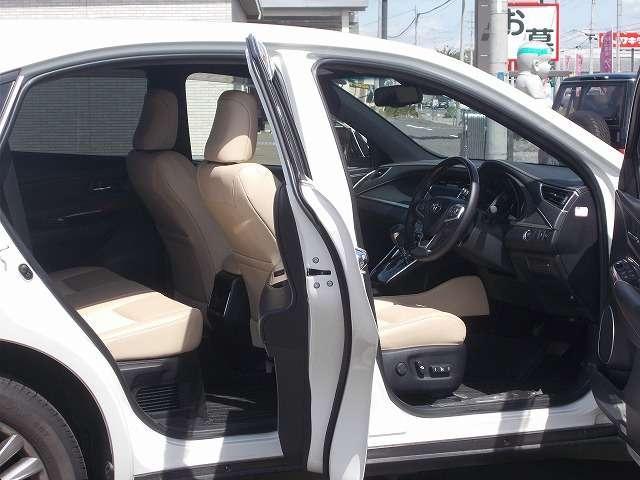 トヨタ ハリアー PREMIUM 4WD ベージュシート 電動リアハッチ