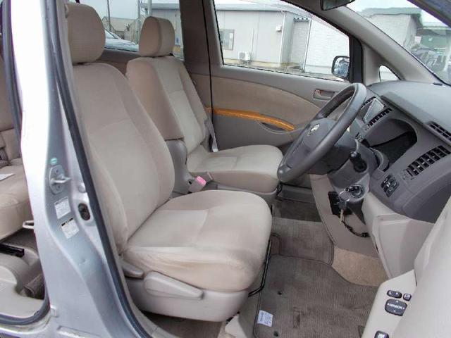 トヨタ アイシス L 4WD 60THスペシャルエディション 冬タイヤ付