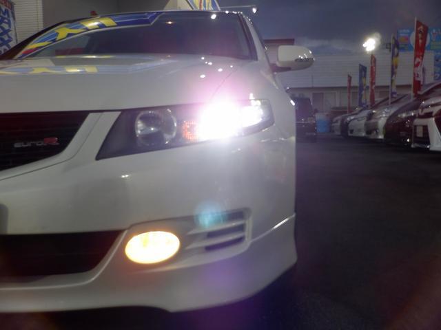 ユーロR 当社買取 社外エンケイアルミ 禁煙車 純正HDDナビ HIDライト フルエアロ 220馬力 キーレス 本革巻きステアリング ETC リアスポイラー 電動格納ウィンカーミラー 衝突安全ボディ UVガラス(34枚目)