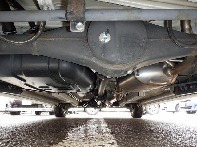 リミテッドII 4WD 禁煙車 夏・冬タイヤ付 モニター付きオーディオ CD再生 AUX バックカメラ スマートキー プッシュスタート シートヒーター オートライト オートエアコン HIDライト ベンチシート(3枚目)