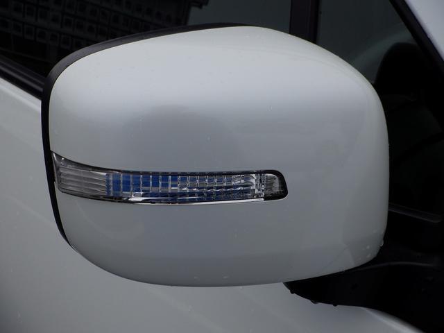 リミテッドII 4WD 禁煙車 夏・冬タイヤ付 モニター付きオーディオ CD再生 AUX バックカメラ スマートキー プッシュスタート シートヒーター オートライト オートエアコン HIDライト ベンチシート(33枚目)