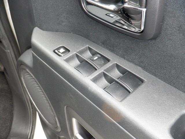 D パワーパッケージ 東京仕入 4WD ETC フリップダウンモニター 両側電動スライドドア シートヒーター 社外HDDナビ フルセグ Bluetooth CD・DVD再生 ミュージックサーバー スマートキー 電格ミラー(23枚目)