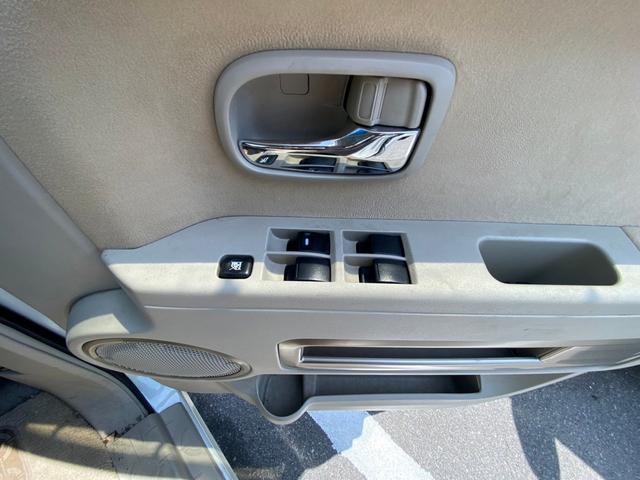 シャモニー 4WD -神奈川県仕入- 両側電動スライドドア 純正HDDナビ CD・DVD再生 ETC バックカメラ 運転席パワーシート フリップダウンモニター パドルシフト 純正18インチアルミ オートライト 禁煙車(43枚目)