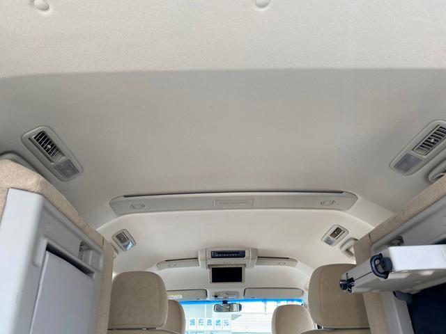 シャモニー 4WD -神奈川県仕入- 両側電動スライドドア 純正HDDナビ CD・DVD再生 ETC バックカメラ 運転席パワーシート フリップダウンモニター パドルシフト 純正18インチアルミ オートライト 禁煙車(52枚目)