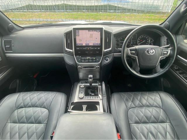 ZX G-フロンティア 4WD サンルーフ キルティング本革電動シート ベンチレーション 全方位カメラ クールBOX ETC2.0 パワーバックドア ブルーレイ BTオーディオ 純正9インチナビ セーフティセンスP 1オーナー 禁煙(3枚目)