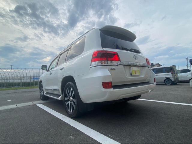 ZX G-フロンティア 4WD サンルーフ キルティング本革電動シート ベンチレーション 全方位カメラ クールBOX ETC2.0 パワーバックドア ブルーレイ BTオーディオ 純正9インチナビ セーフティセンスP 1オーナー 禁煙(8枚目)
