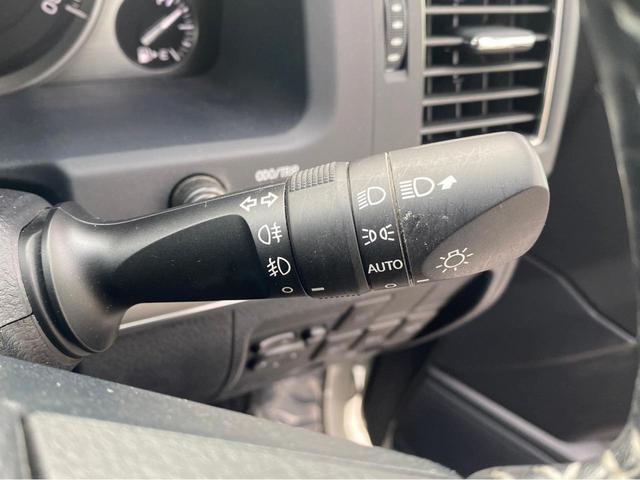 ZX G-フロンティア 4WD サンルーフ キルティング本革電動シート ベンチレーション 全方位カメラ クールBOX ETC2.0 パワーバックドア ブルーレイ BTオーディオ 純正9インチナビ セーフティセンスP 1オーナー 禁煙(22枚目)