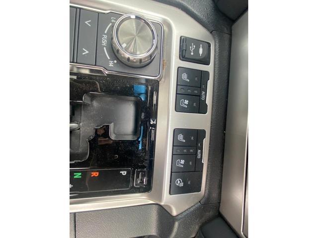 ZX G-フロンティア 4WD サンルーフ キルティング本革電動シート ベンチレーション 全方位カメラ クールBOX ETC2.0 パワーバックドア ブルーレイ BTオーディオ 純正9インチナビ セーフティセンスP 1オーナー 禁煙(24枚目)