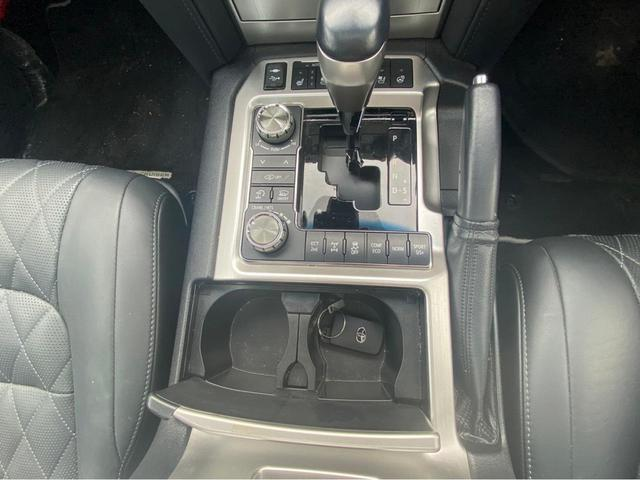 ZX G-フロンティア 4WD サンルーフ キルティング本革電動シート ベンチレーション 全方位カメラ クールBOX ETC2.0 パワーバックドア ブルーレイ BTオーディオ 純正9インチナビ セーフティセンスP 1オーナー 禁煙(38枚目)