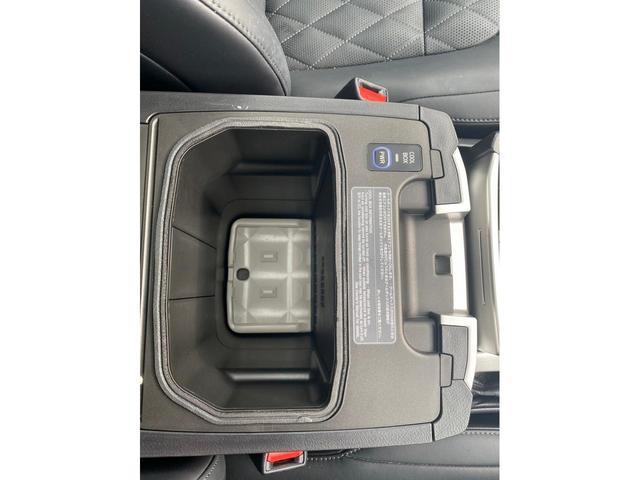 ZX G-フロンティア 4WD サンルーフ キルティング本革電動シート ベンチレーション 全方位カメラ クールBOX ETC2.0 パワーバックドア ブルーレイ BTオーディオ 純正9インチナビ セーフティセンスP 1オーナー 禁煙(48枚目)