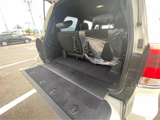 ZX G-フロンティア 4WD サンルーフ キルティング本革電動シート ベンチレーション 全方位カメラ クールBOX ETC2.0 パワーバックドア ブルーレイ BTオーディオ 純正9インチナビ セーフティセンスP 1オーナー 禁煙(65枚目)