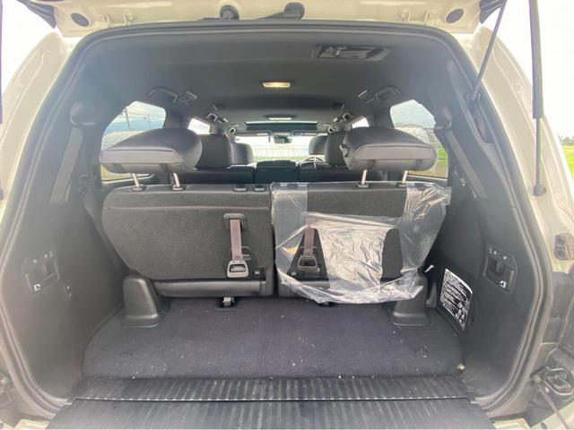ZX G-フロンティア 4WD サンルーフ キルティング本革電動シート ベンチレーション 全方位カメラ クールBOX ETC2.0 パワーバックドア ブルーレイ BTオーディオ 純正9インチナビ セーフティセンスP 1オーナー 禁煙(66枚目)