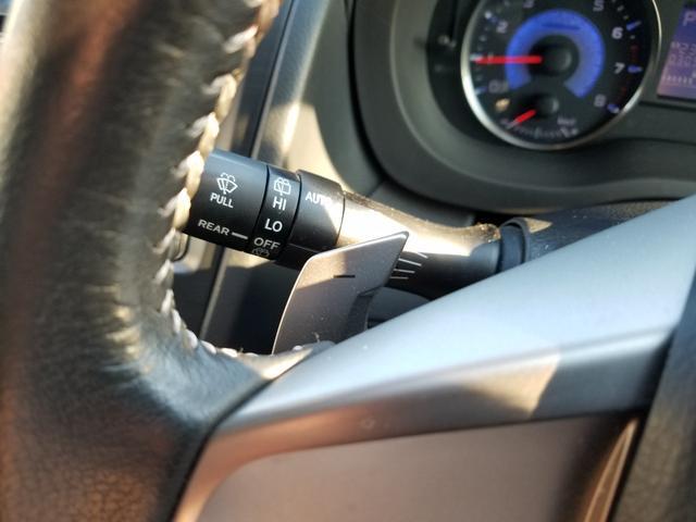 2.0i-L アイサイト 4WD 黒革シート シートヒーター 衝突軽減ブレーキ レーダークルーズ 車線逸脱警告 HIDライト SDナビ フルセグTV CD・DVD再生 Bluetooth接続 バックカメラ ETC スマートキー(30枚目)