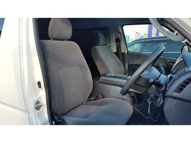 GL 4WD 10人乗り 左側電動スライドドア SDナビ CD・DVD再生 USB接続 ETC 電格ミラー デュアルエアコン オートライト(10枚目)