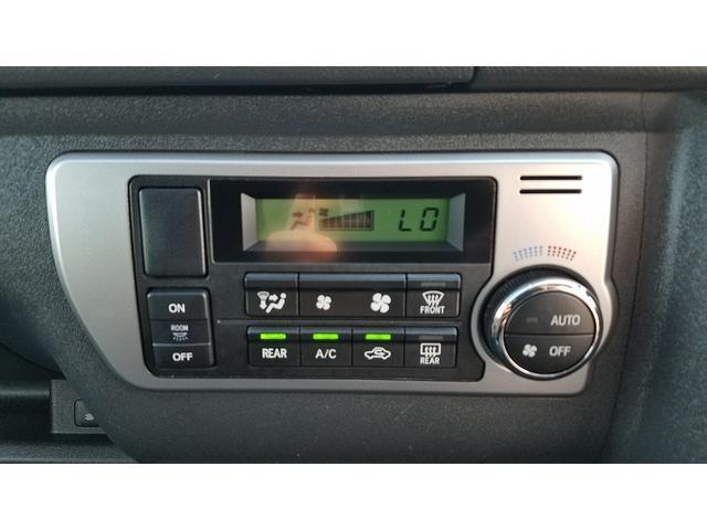 GL 4WD 10人乗り 左側電動スライドドア SDナビ CD・DVD再生 USB接続 ETC 電格ミラー デュアルエアコン オートライト(25枚目)