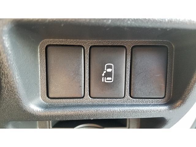 GL 4WD 10人乗り 左側電動スライドドア SDナビ CD・DVD再生 USB接続 ETC 電格ミラー デュアルエアコン オートライト(32枚目)