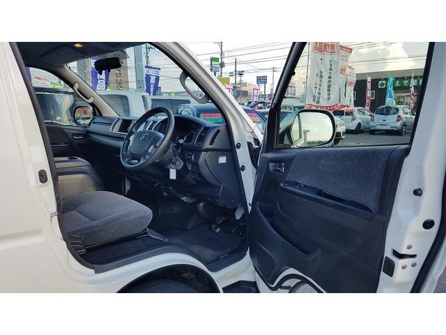 GL 4WD 10人乗り 左側電動スライドドア SDナビ CD・DVD再生 USB接続 ETC 電格ミラー デュアルエアコン オートライト(45枚目)
