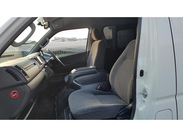 GL 4WD 10人乗り 左側電動スライドドア SDナビ CD・DVD再生 USB接続 ETC 電格ミラー デュアルエアコン オートライト(47枚目)